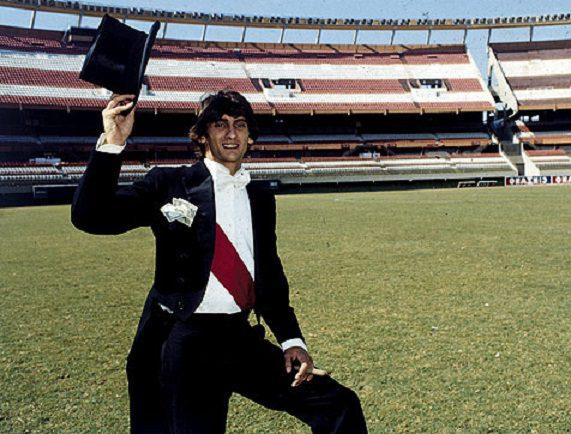 Enzo Francescoli, el príncipe que pisó las canchas
