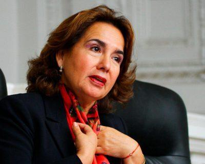 """Presentan denuncian constitucional contra presidenta del PJ Elvia Barrios por """"violar competencia del Congreso"""""""